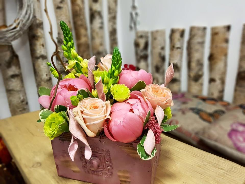 aranjament floral martie