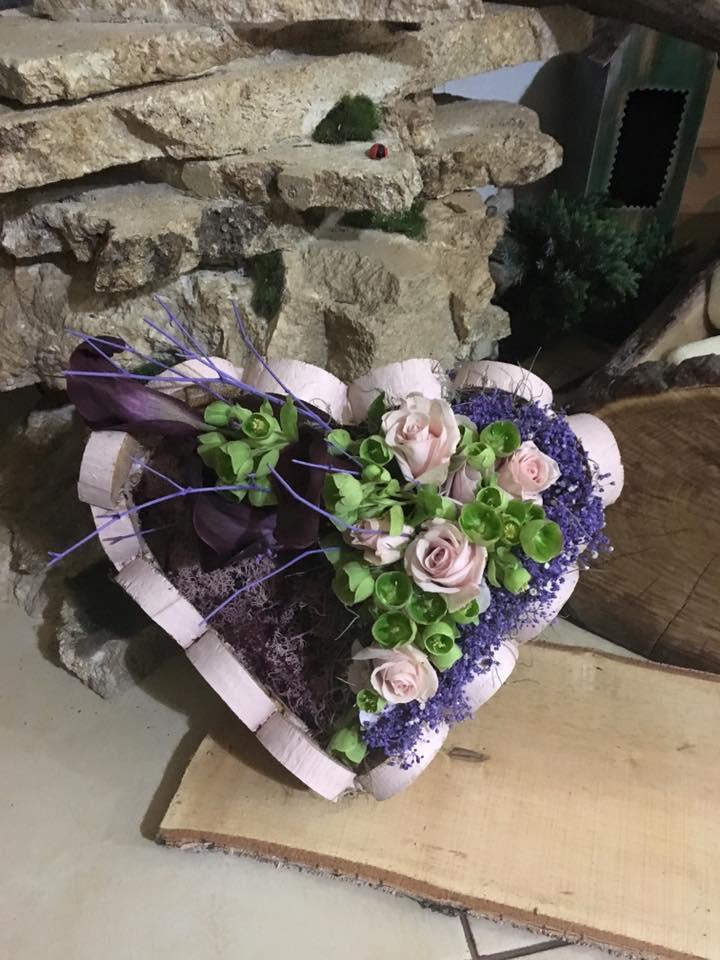 aranjament floral love